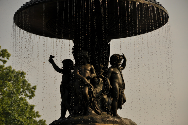 statue of children in the Bethesda Fountain