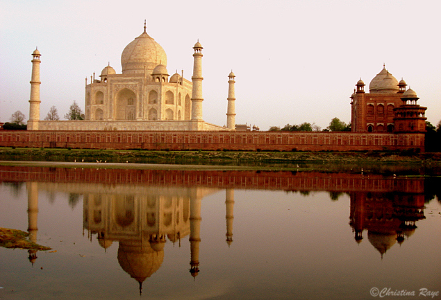 back-of-taj-mahal