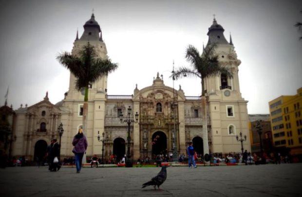 Cathedral in Plaza de la Armas