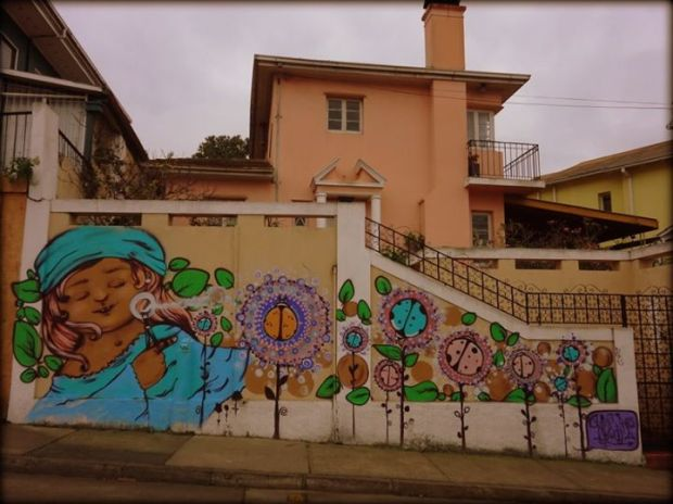 graffitti blowing bubbles