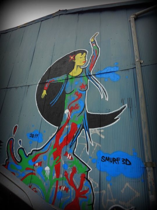 grafitti woman
