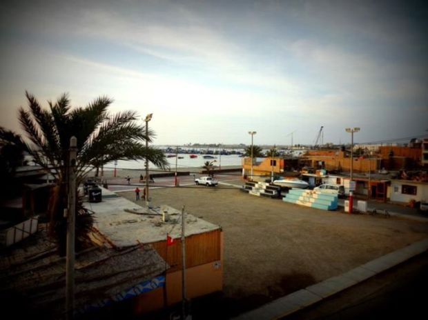 the sleepy town of Paracas, a stop-over on the way to Nasca