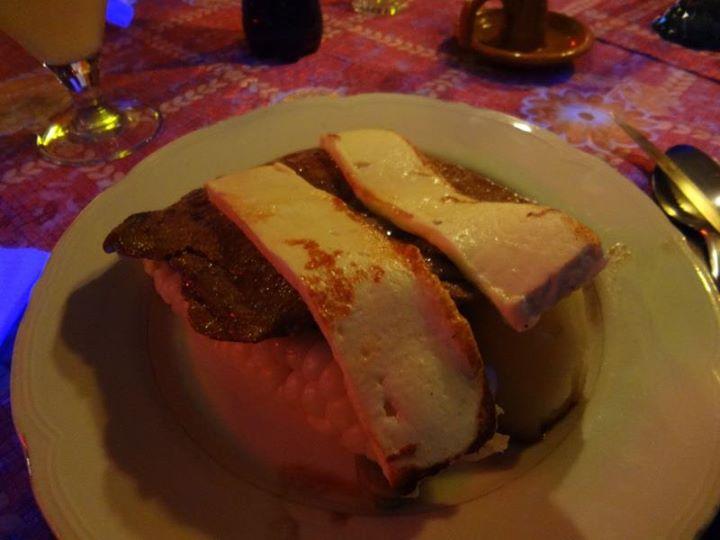 Plato Paceño: llama steak, corn, potato and goat cheese