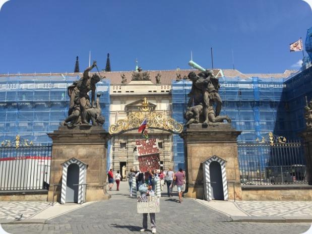 gates, Prague Castle