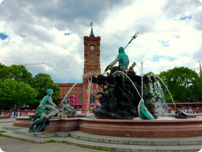 Rotes Rathaus, seat of the Berlin Senate and the Neptune fountain in Alexanderplatz